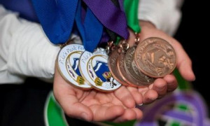 442_09feismedals